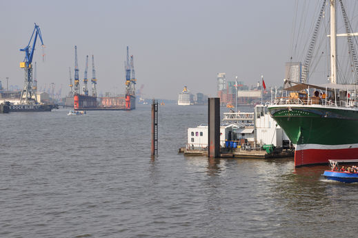 Hamburger Hafen im September 2014