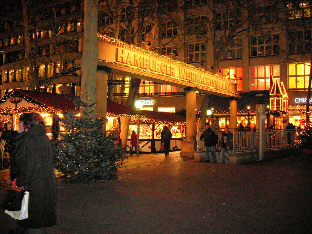 Hamburger Weihnachtsmarkt.Hamburger Weihnachtsmarkt Gerhard Hauptmann Platz Foto Im Hamburg Web