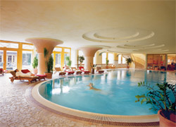 Swimming Pool Meridian Spa Eppendorf