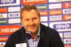HSV-Trainer Thorsten Fink gut gelaunt