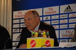HSV Trainer Martin Jol ist in Hamburg